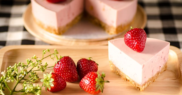 Low-Carb No Bake Strawberry Cheesecake