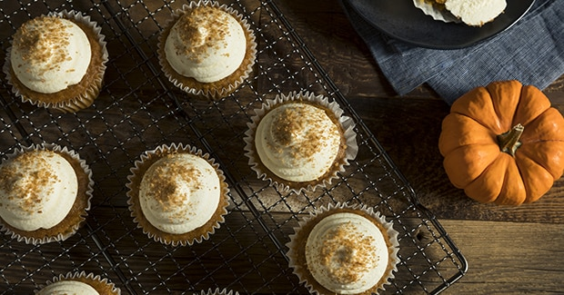Pumpkin Spice Cupcakes with Cream Cheese Frosting