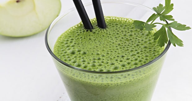 Aloe Vera, Apple & Celery Smoothie with Kale