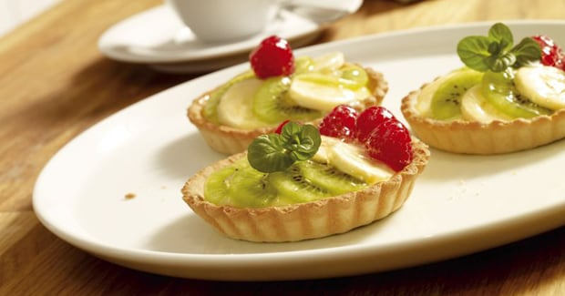Kiwi and banana tartlets