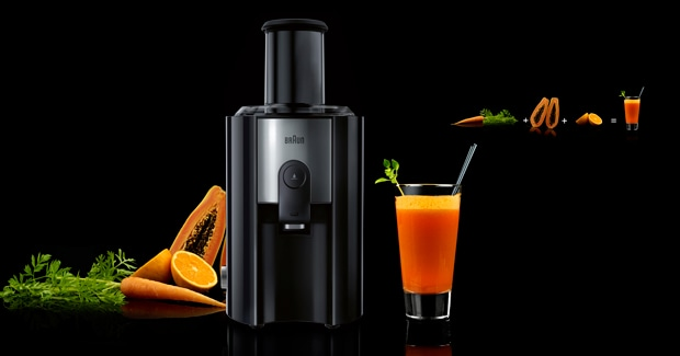 Energizing carrot, orange & papaya juice