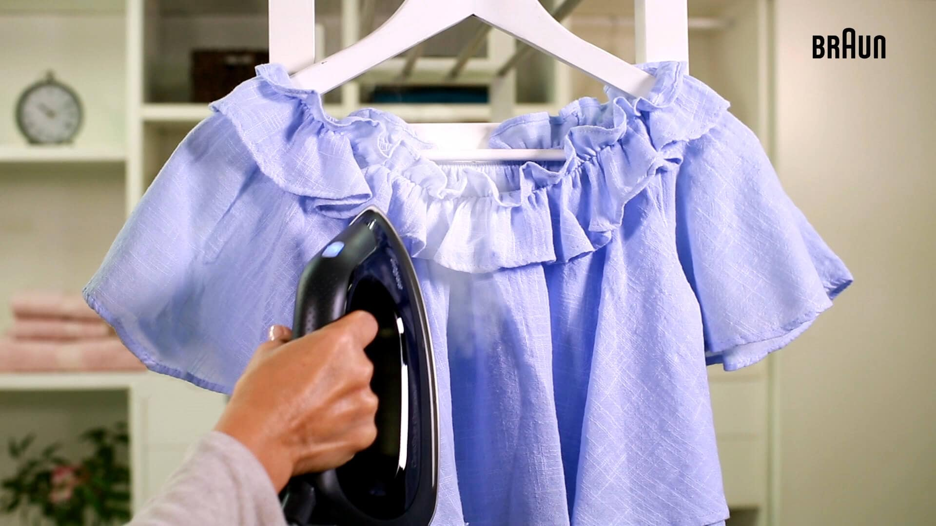 How to iron complicated garments