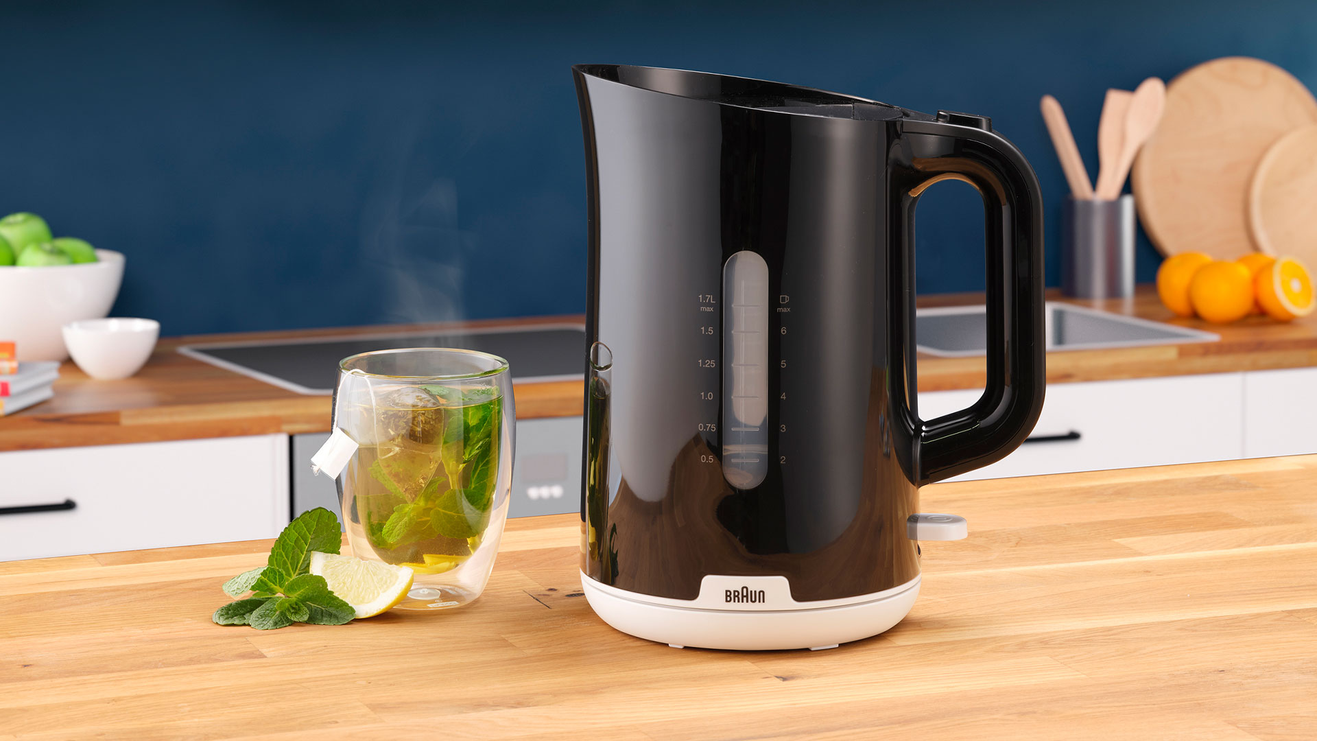 Braun Breakfast Series 1 Water Kettle WK 1110 BK lifestyle