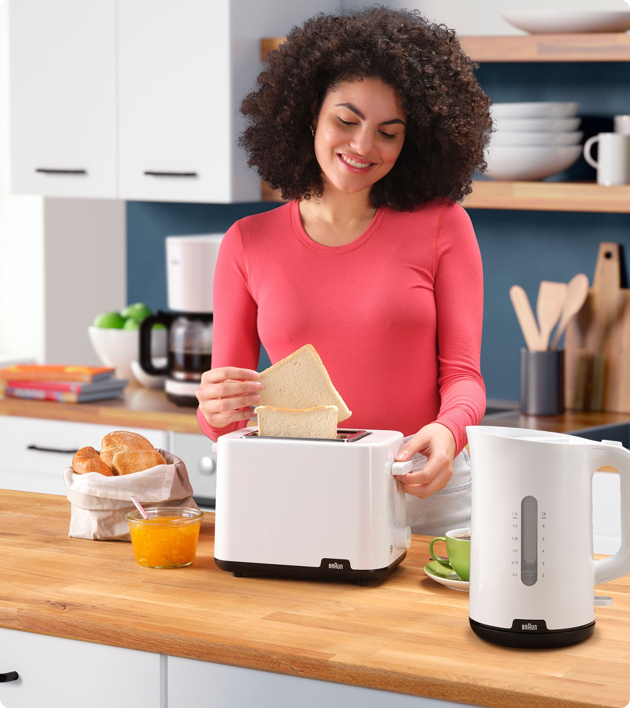 Braun Breakfast Series 1 Toaster HT 1010 WH in use