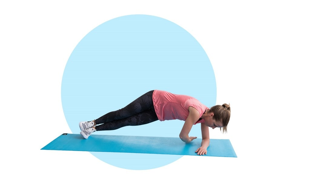 Fitness exercise - Side planks with a twist