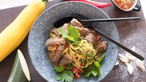 Spicy Courgette Noodles with Steak