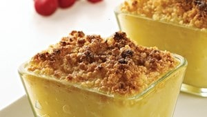 Pear, apple and ginger crumble