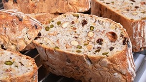 Oliven-Walnuss-Brot